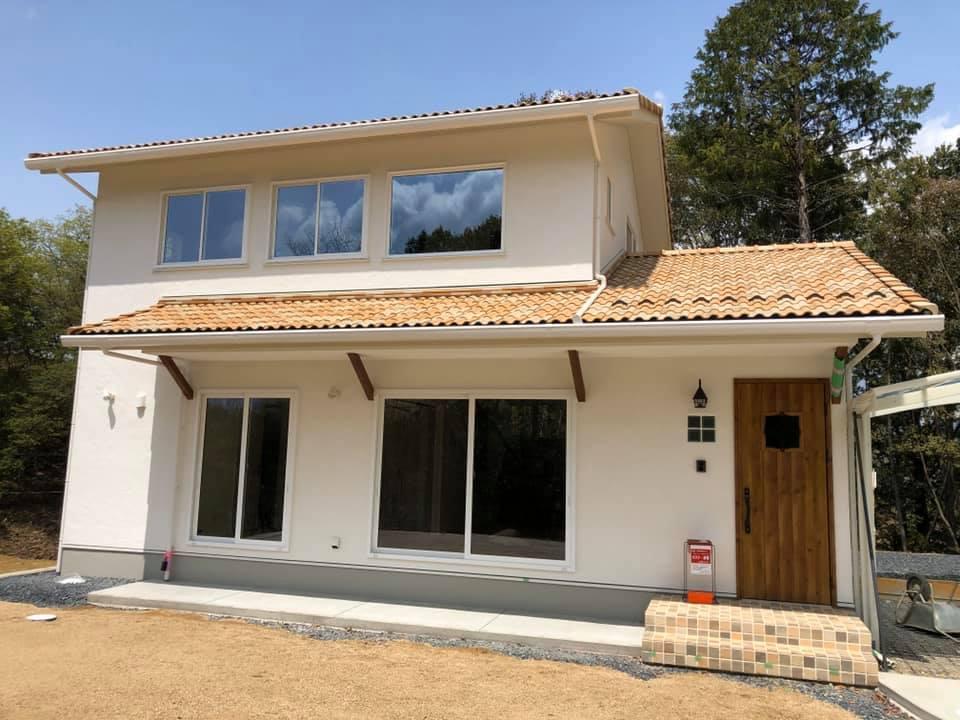 景色を楽しむ大井ヶ丘の家
